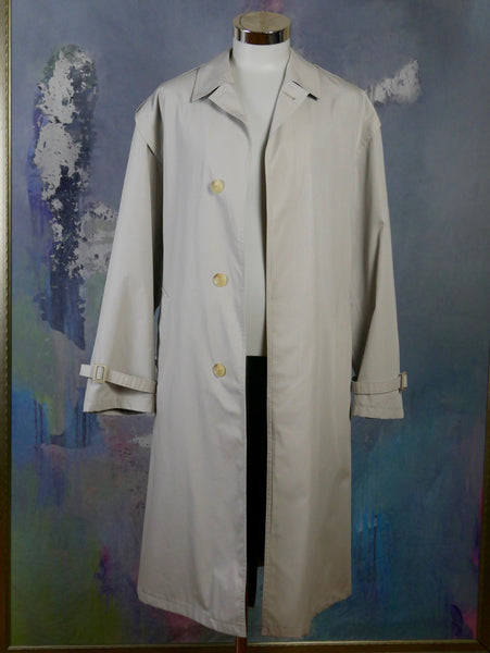 European Vintage Trench Coat, 1980s Cream-Colored Single-Breasted Water-Resistant Overcoat, Made in Finland: Size 46 to 48 US/UK - DownShifting Vintage Menswear