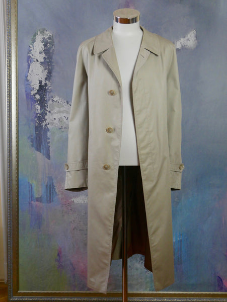 1980s Trench Coat, Swedish Vintage Beige Single-Breasted Water-Resistant Raincoat, Retro Menswear: Size 44 US/UK - DownShifting Vintage Menswear