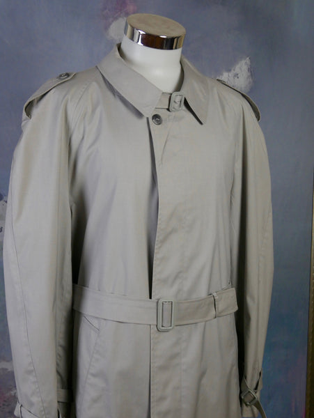 1980s Trench Coat, European Vintage Pale Light Gray Single-Breasted Classic Raincoat: Size 42 to 44 US/UK - DownShifting Vintage Menswear