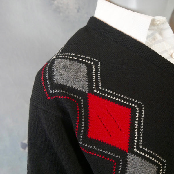 1980s Argyle Sweater, Scottish Vintage Black Red Gray & White Soft Lambswool V-Neck Pullover: Size 42 to 44 US/UK - DownShifting Vintage Menswear