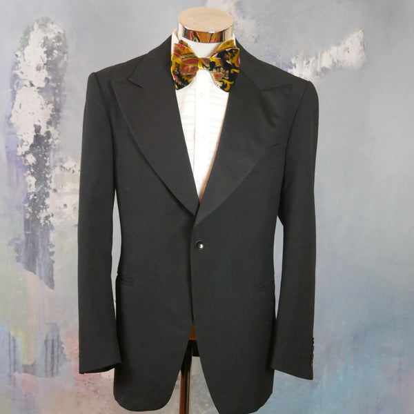 1970s Tuxedo Jacket with Super Wide Peak Lapels: Size 42 US/UK - DownShifting Vintage Menswear