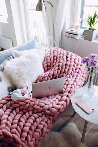 Image of trendyholo.com BEST SELLER PINK / 79x79 INCHES 70% OFF-SAVE $455 (HIGHEST VALUE) Handmade Chunky Knit Blanket
