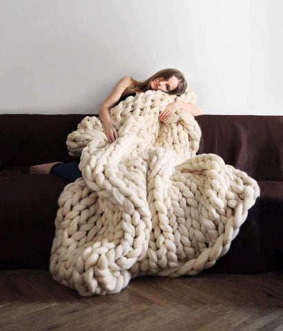 Image of trendyholo.com BEST SELLER MIDNIGHT BLUE / 40x47 INCHES 70% OFF-SAVE $180 Handmade Chunky Knit Blanket