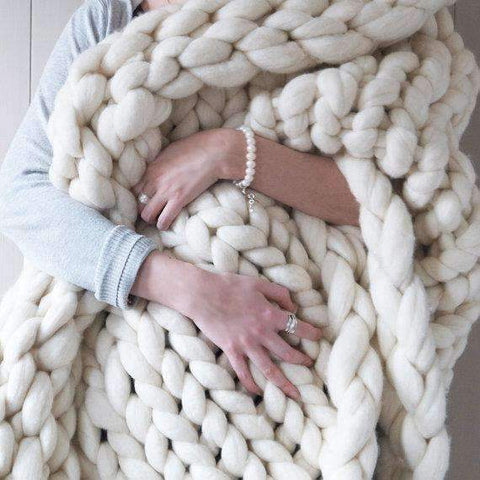 Image of trendyholo.com BEST SELLER WHITE / 79x79 INCHES 70% OFF-SAVE $455 (HIGHEST VALUE) Handmade Chunky Knit Blanket