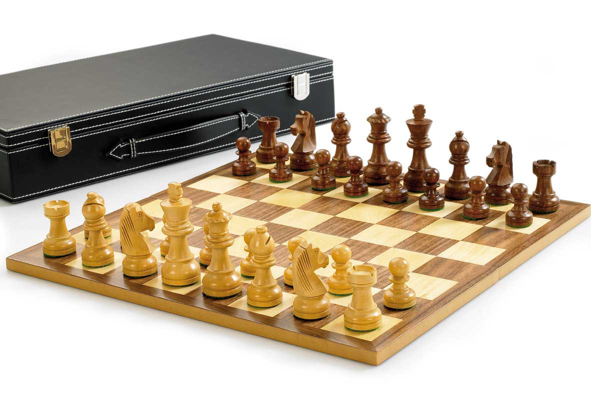 Deluxe Chess Set (7.6cm / 3 inch King)