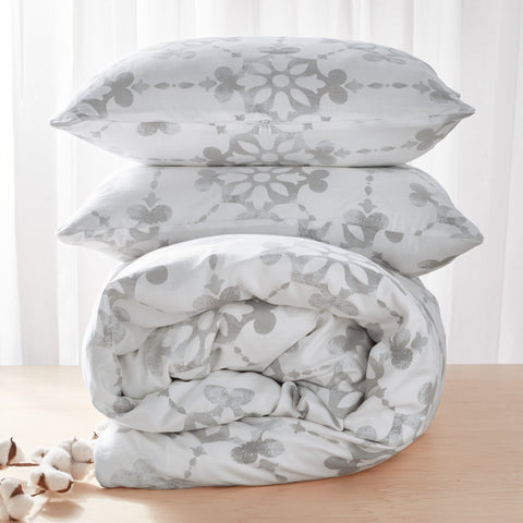comforter and pillows with cotton
