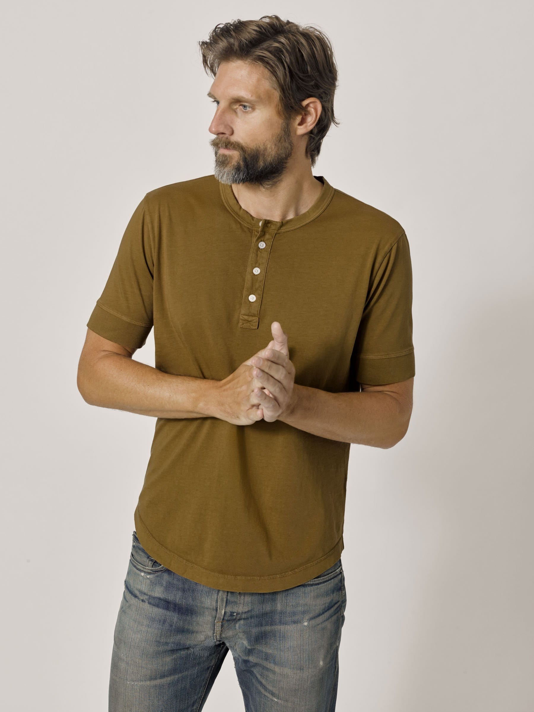 Buck Mason - Bronze Venice Wash Pima Short Sleeve Curved Hem Henley