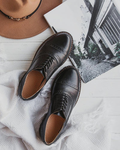Lace-up Round-toe Solid Color PU Leather Oxford Shoes