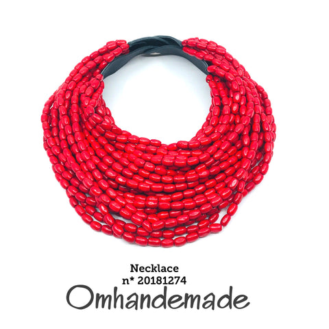 https://www.omhandemade.com/products/20181274-collana-bavaglino-multi-filo-rosso-in-legno?_pos=1&_sid=057eed419&_ss=r