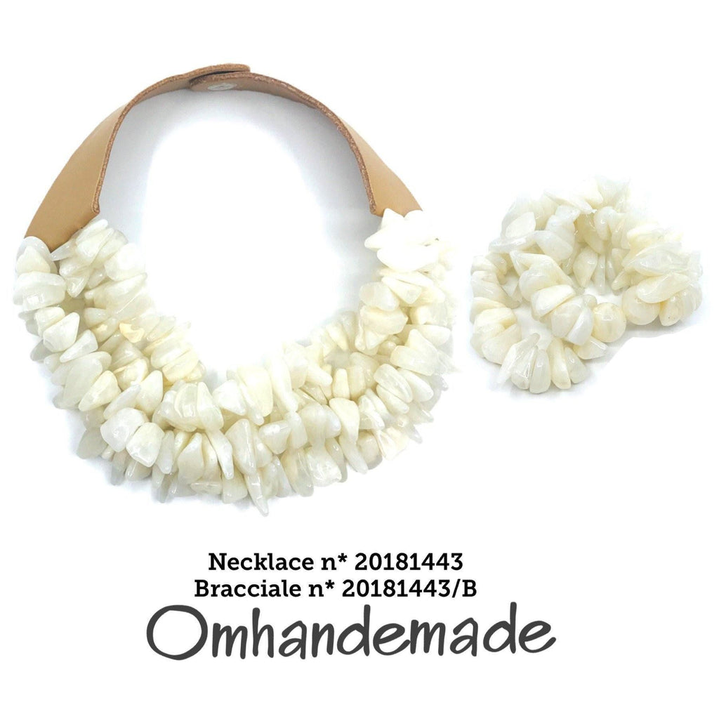 20181443 Fairchild Baldwin style necklace choker cream or gray, layered choker leather collar relief, necklace - Omhandemade