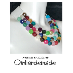20201759 Collana girocollo 3 fili in resina multicolor - Omhandemade