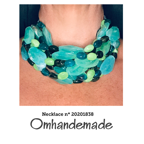 20201838 Collana girocollo verde multicolor - Omhandemade