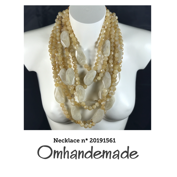 20191561 Collana media beige stratificata rilievo - Omhandemade