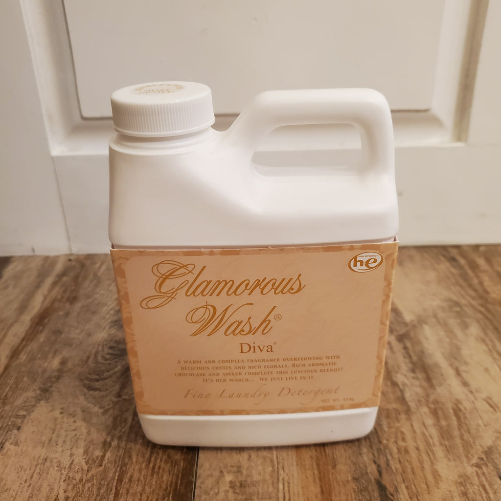 Tyler Small Glamorous Wash in Diva (16oz)