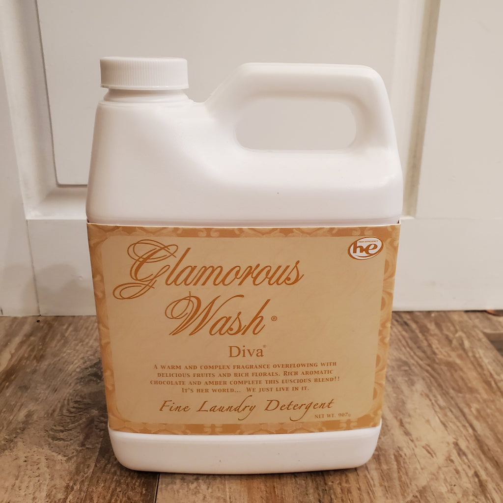 Tyler Medium Glamorous Wash in Diva (32oz)