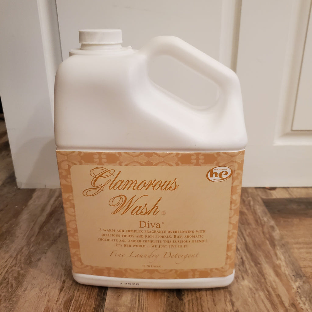 Tyler Large Glamorous Wash in Diva (128oz)