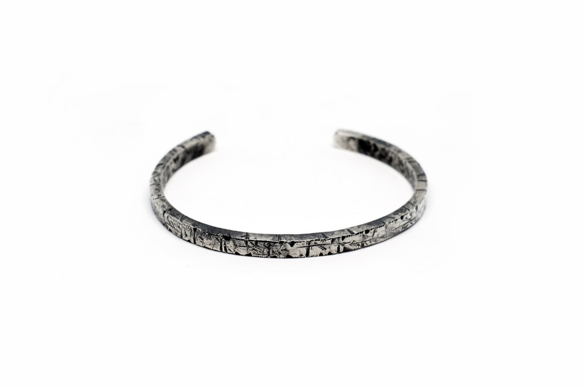 HAMMERED LARGE CUFF