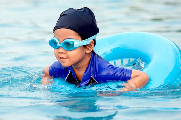 Protect your baby's eczema from irritation at the swimming pool