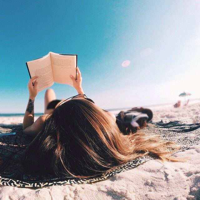 10 Best Beach Reads For Your Summer Vacation