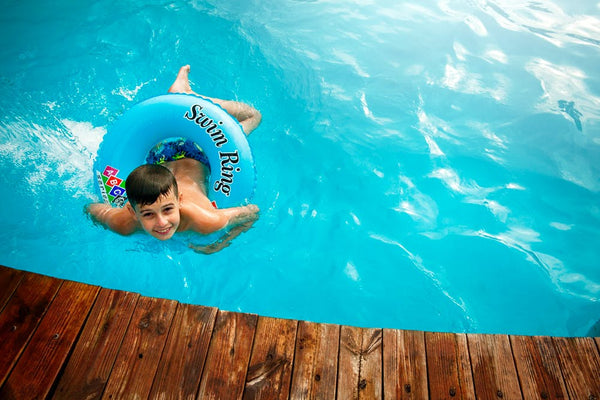 Is it safe to swim in pools or lakes? Does the virus spread through the water?