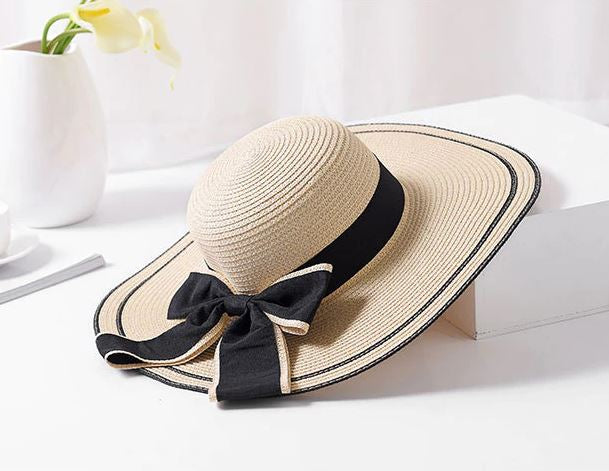 Contrast Detail Bow Hat