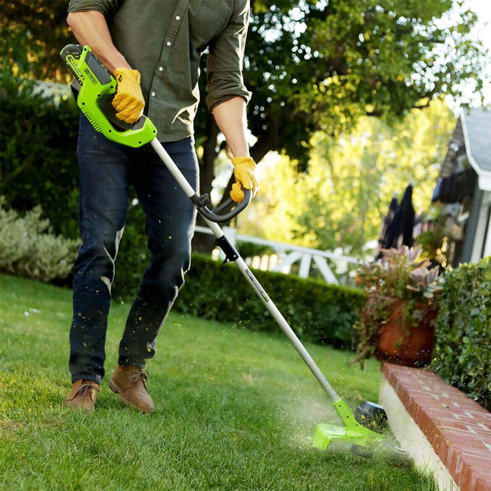 GreenWorks 2101602 40-Volt 12-Inch GMAX Cordless Lithium-Ion String Trimmer Kit