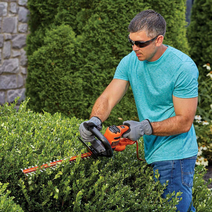 Black and Decker BEHT200 18-Inch 3.5-Amp Dual-Action Electric Hedge Trimmer