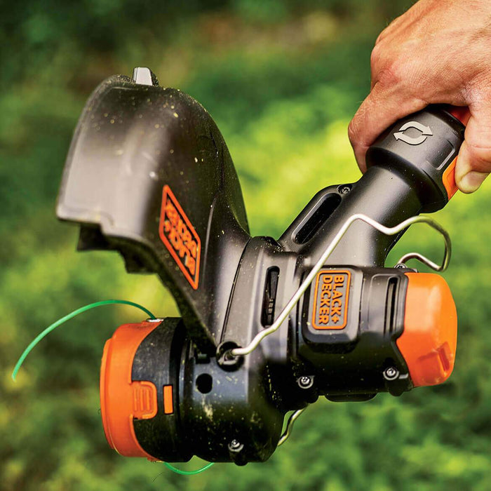 head unit of the Black and Decker LST560C String Trimmer in use