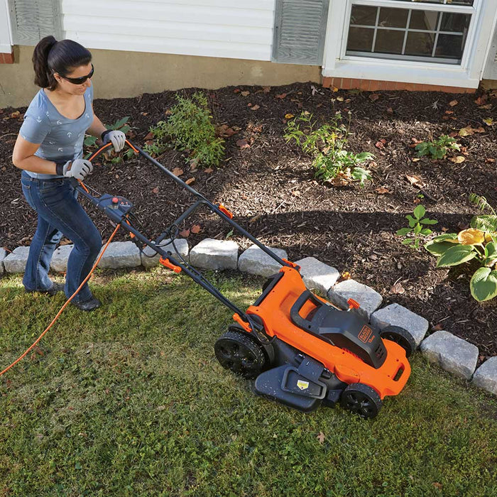 Black and Decker MM2000 20 Inch 13 Amp Light Weight Electric Corded Lawn Mower