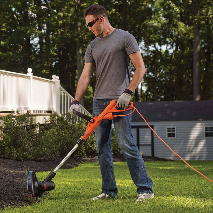 Black and Decker ST8600 String Trimmer in the yard