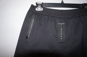 "Theory+ ""Donatelo"" in Defense Black Shorts"