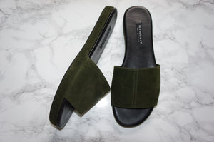 Newbark Frankie Slide in Fatigue Green Velvet