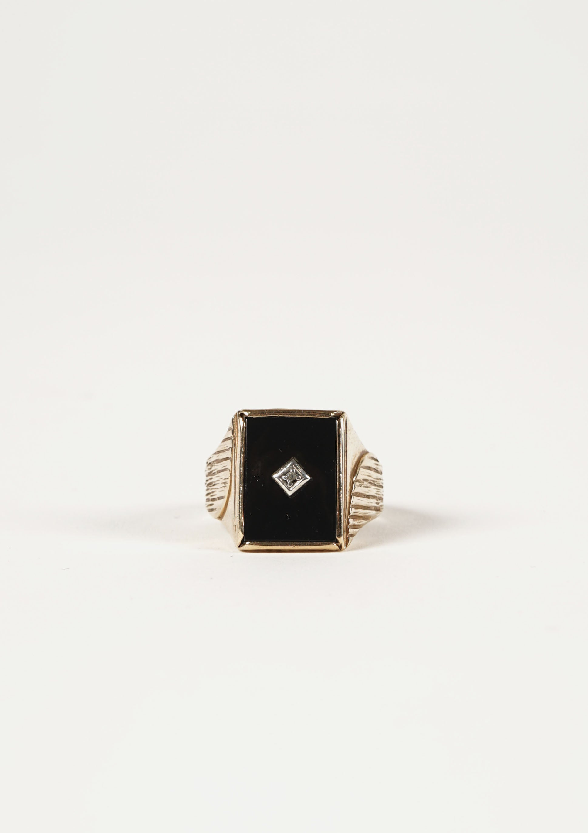 Square Onyx Gold Ring w / Diamond