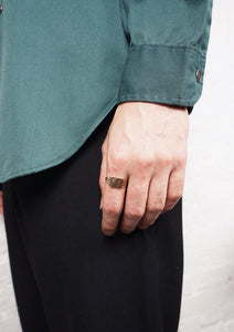 <strong>VINTAGE</strong>Gold Signet Ring