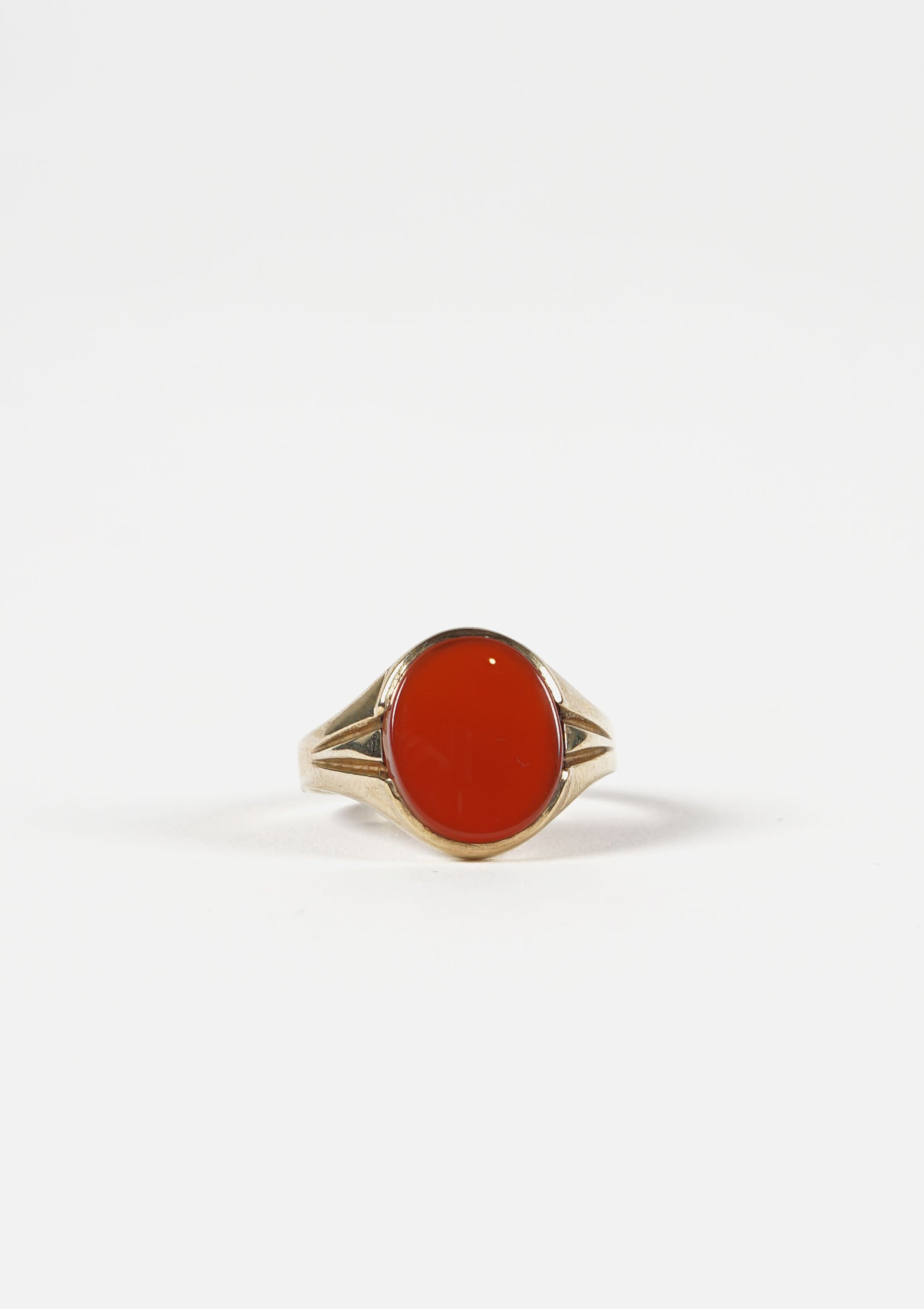 Oval Agate Bordeux Gold Ring