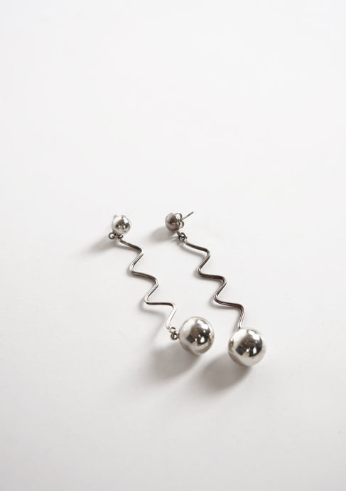 <strong>VINTAGE</strong></br>Drop Ball Earrings