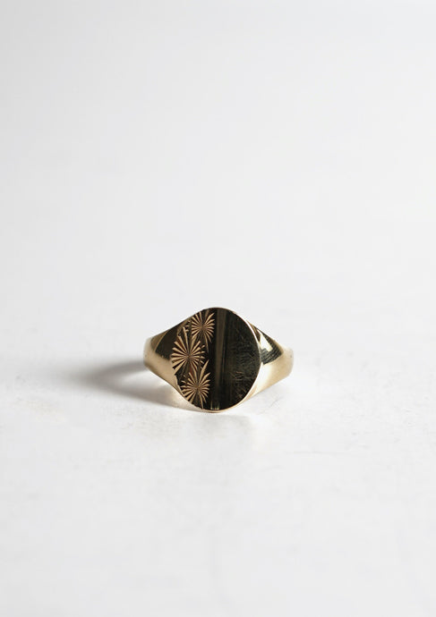 <strong>VINTAGE</strong></br>Gold Signet Ring