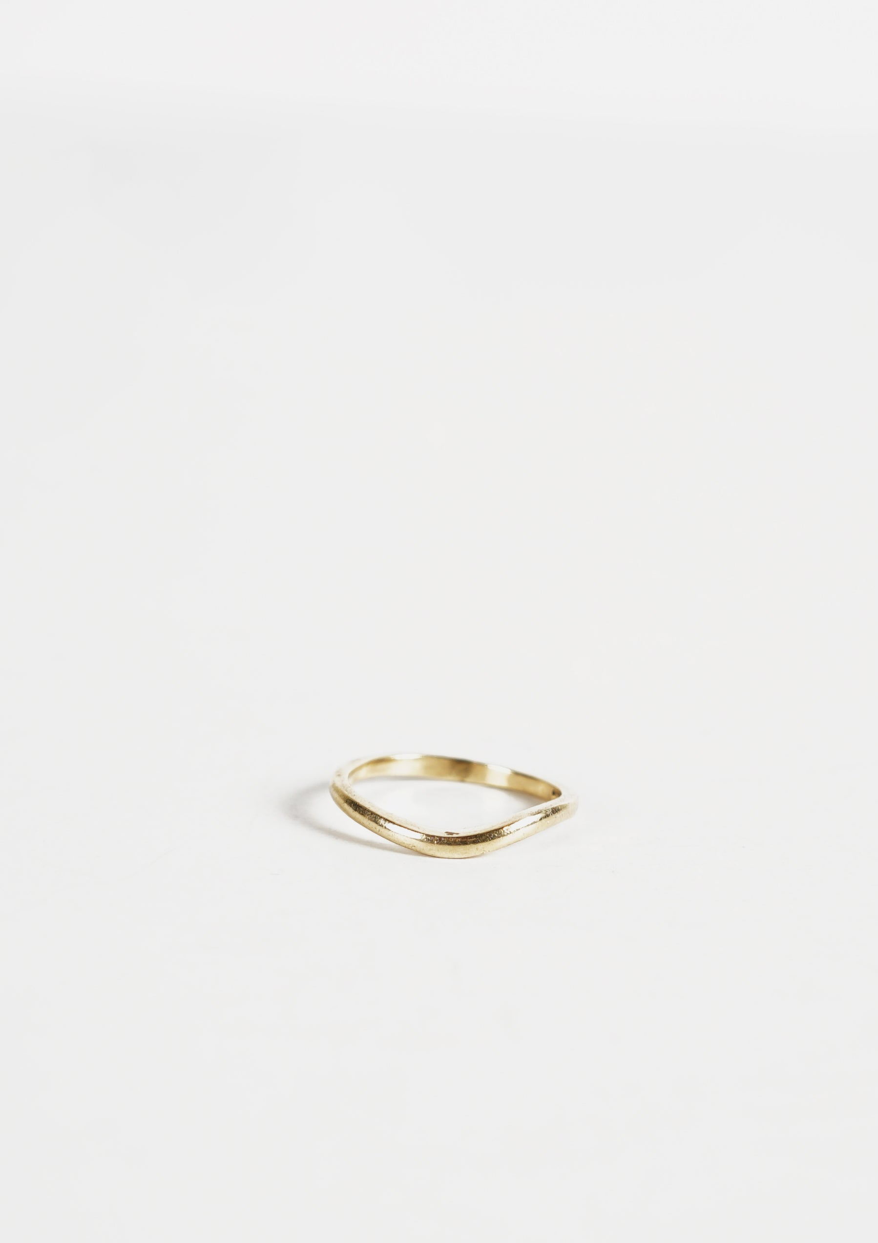 14k Gold Wavy Ring / 2mm