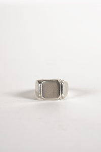 <strong>VINTAGE</strong></br>Signet Ring
