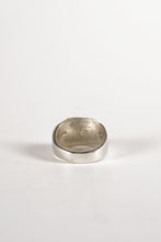 Load image into Gallery viewer, <strong>VINTAGE</strong></br>Signet Ring