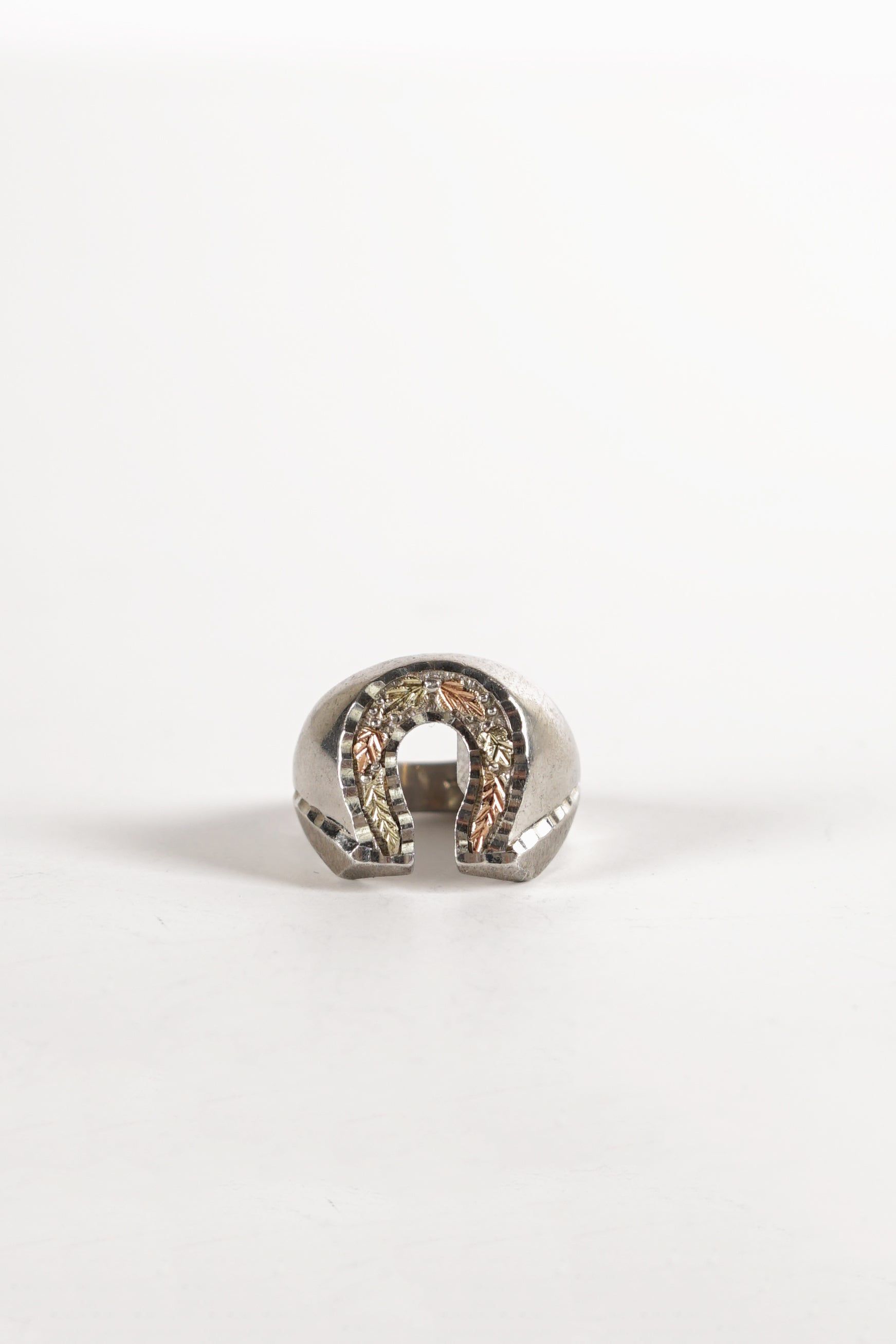 Leaf Motif Horse Shoe Ring
