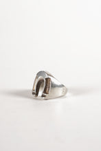 Load image into Gallery viewer, <strong>VINTAGE</strong></br>Horse Shoe Ring
