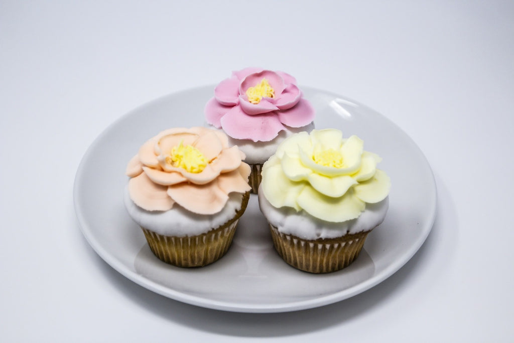 Spring Flower Decorated Cupcakes