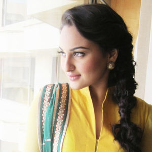 Sonakshi Sinha – Better halves earrings