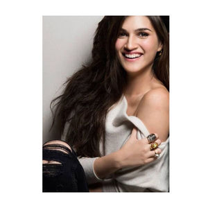 Kriti Sanon – Starry night concave ring