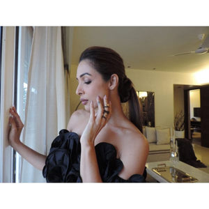 Malaika Arora – 'Ribbon Wrap' ring