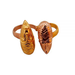 Malaika Arora – 'African masks' double finger ring