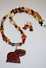 Load image into Gallery viewer, Beaded Jewelry Mookaite Necklace Set.