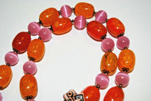 Load image into Gallery viewer, Agate and Cat Eyes Necklace Set.