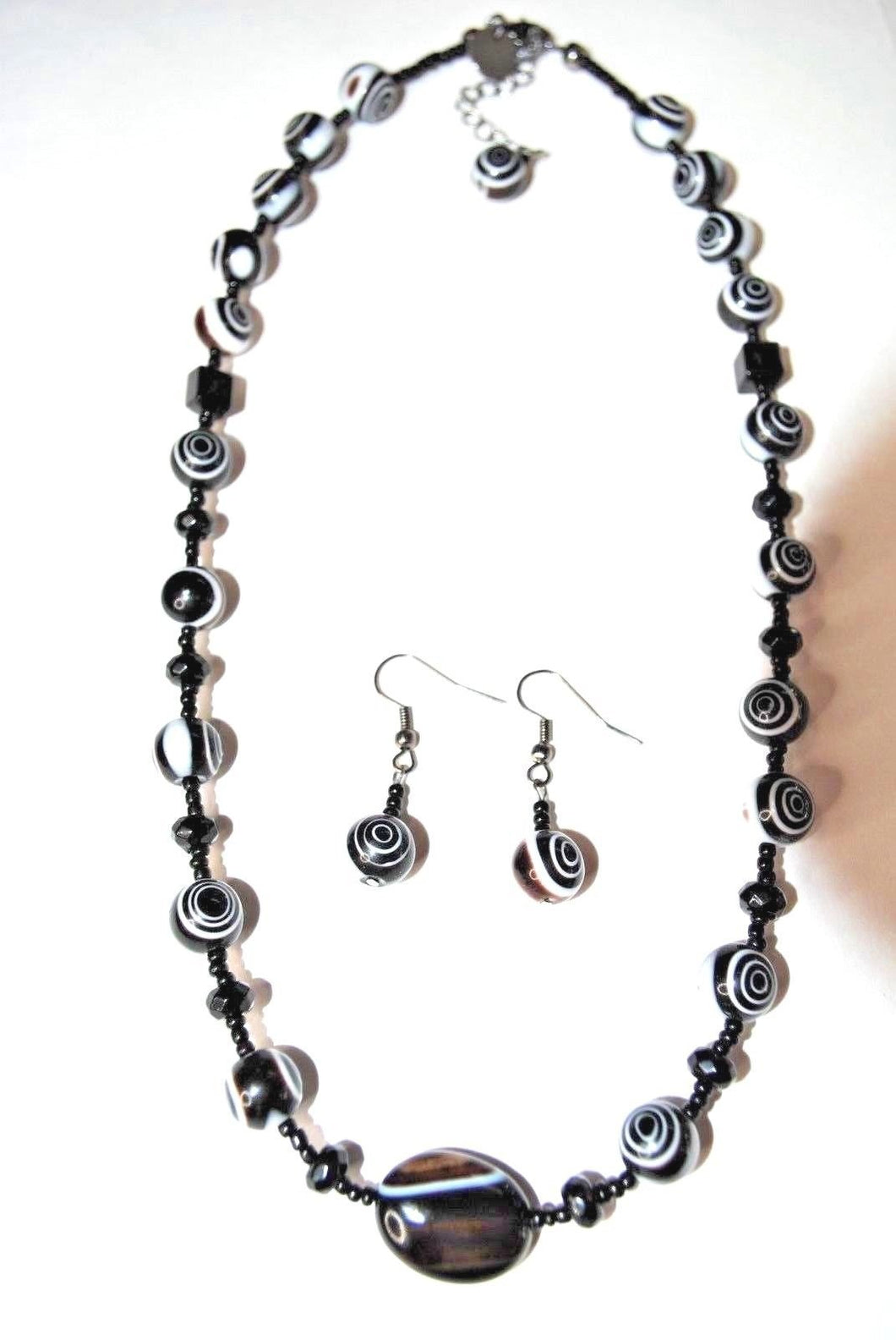 Swirl Glass Necklace Set.Black and white Beaded Necklace.Handmade Black Necklaces.Black-Brown White Beads.Olga's Treasures Shop